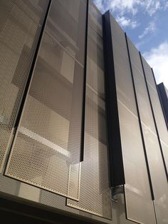 Detail of the two-plane panel system used on the Stanford University Hoover Parking Structure Stanford Hospital, San Francisco Architecture, Parking Solutions, Glass Facades, Panel Systems, Stanford University, Garage Design, California, Planer