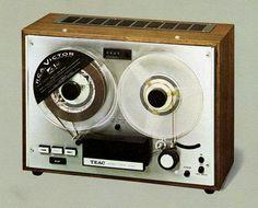 TEAC A-4000 - www.remix-numerisation.fr - Rendez vos souvenirs durables ! - Sauvegarde - Transfert - Copie - Digitalisation - Restauration de bande magnétique Audio - MiniDisc - Cassette Audio et Cassette VHS - VHSC - SVHSC - Video8 - Hi8 - Digital8 - MiniDv - Laserdisc - Bobine fil d'acier - Micro-cassette - Digitalisation audio - Elcaset