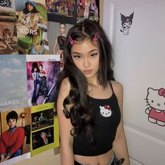 Image uploaded by delaina ₓ⁺🦇*! Find images and videos about girl, cute and pretty on We Heart It - the app to get lost in what you love. Aesthetic Hair, Bad Girl Aesthetic, Aesthetic Clothes, Ulzzang Girl Fashion, Pretty People, Beautiful People, Beautiful Pictures, Model Tips, Lila Baby