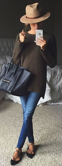 fall casual style perfection / hat + sweater + bag + skinny jeans + shoes