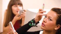 Kosmetik sind Zutaten, die verwendet werden, um Ihr Aussehen zu verbessern. Diese bestehen aus Hautpflege-Cremes. Deodorant, Kosmetik Online Shop, Lotion, Make Up, Beauty, Kinky Hair, Skincare Routine, Face, Makeup