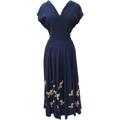 1940s navy blue vintage evening gown ($93) ❤ liked on Polyvore featuring dresses, gowns, 1940, 1940s, navy evening dress, blue vintage dress, navy blue dress, blue dress and blue gown