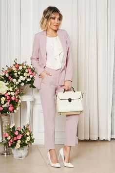 StarShinerS pink office trousers with pockets medium waist slightly elastic fabric with straight cut, straight cut, with pockets, soft fabric, button and zipper fastening Elegant Midi Dresses, Nice Dresses, Yellow Office, Straight Cut, Suit Fashion, Special Occasion Dresses, Soft Fabrics, Trousers, Artists