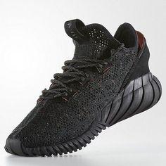 Nike Air Max 1 'Omega' toe pushin' yes! Re shape those to