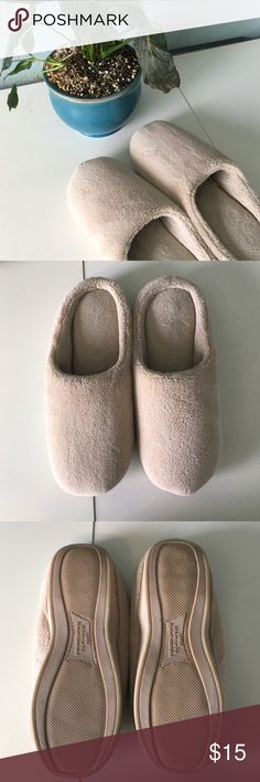The Most Comfortable Slippers! These slippers are the most comfortable slippers that I have ever worn. I'm not exactly sure what material it is made of but they are very comfortable! It is a size large which means it can fit a shoe size 9 or 10. They are perfect for around the house or anywhere that you feel like wearing comfortable shoes and they are in good condition! Let me know if you're interested! Shoes Slippers
