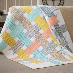 Ribbon Box QuiltA simple design results in a memorable quilt. Get the free pattern here: Ribbon Box Quilt Quilting Projects, Quilting Designs, Sewing Projects, Quilting Ideas, Modern Quilt Patterns, Quilt Patterns Free, Free Pattern, Modern Baby Quilts, Simple Quilt Pattern