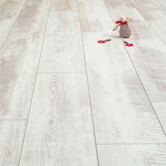 White Wash Oak Laminate Flooring | Balento Vintage Whitewashed Oak 10mm Laminate Flooring