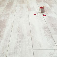 White Wash Oak Laminate Flooring | Balento Vintage Whitewashed Oak 10mm Laminate Flooring