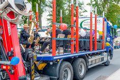 Tag des Bergmanns in Lehesten/Thür. Wald am 2.7.2017. Der Festumzug des Vereinsverbands Bergmannsfest Lehesten. Hier der Musikverein 'Glückauf'. Trucks, Moving Home, Woodland Forest, Musik, Truck