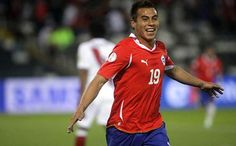 Eduardo Vargas - The Wonderkid from Chile Good Soccer Players, Soccer World, Fifa, World Cup, Sports, Eduardo Vargas, Scenery, Football Soccer, Hs Sports