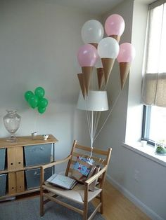 Icecream cone decor with baloons