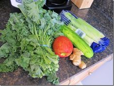 Ingredients: •1 apple •1 cucumber •4-5 stalks of celery •1/2 bag of spinach or bunch of kale •ginger root to taste  Directions: Put ingredients into a juicer, alternating greens with chunked fruits and veggies. Pour into a glass and drink immediately.  Read more at http://carrotsncake.com/2013/07/everyday-green-juice-juice-faqs.html#UEup7q48QT587Auv.99)