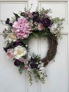 Your place to buy and sell all things handmade – Grapevine Wreath İdeas. Summer Door Wreaths, Wreaths For Front Door, Holiday Wreaths, Spring Wreaths, Winter Wreaths, Wreath Crafts, Diy Wreath, Grapevine Wreath, Tulle Wreath