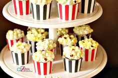Graduation Food, High School Graduation, New Years Party, New Years Eve, Movie Party, Party Time, Baby Shower Themes, Shower Ideas, Popcorn Cupcakes