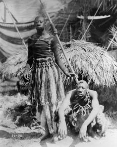 Human Curiousity Sideshow Vintage Reprint Of Old Photo – Photoseeum Creepy Vintage, Vintage Circus, Black History Facts, Black History Month, Human Zoo, Human Oddities, Arte Tribal, African American History, Women In History