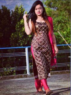 Pretty Asian Girl, Beautiful Girl Indian, Beautiful Indian Actress, Indian Designer Suits, Patiala Suit, Shalwar Kameez, Churidar, Stylish Girl Pic, Girl Hijab