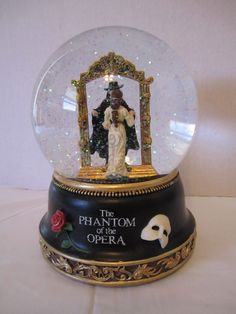 The Phantom of the Opera Mirror Scene Snowglobe San Francisco Music Box Company