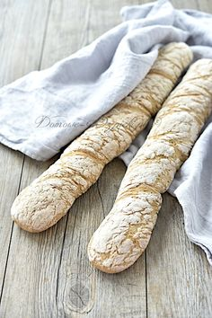Rustykalne bagietki bezglutenowe Bun Recipe, Bread Bun, Lose Weight In A Week, Best Food Ever, Bakery Cakes, No Bake Cake, Nom Nom, Good Food, Food And Drink