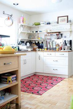 Interior Design #interior #design #decor Small Open Kitchens, Black Kitchens, Cool Kitchens, Kitchen White, Kitchen Wood, Kitchen Small, Cheap Kitchen, Buy Kitchen, Kitchen Sink