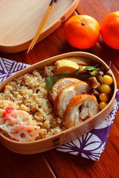 Japanese Bento Lunch (Soy Sauce Seasoned Rice with Shirasu Tiny Fish, Teriyaki Chicken Roll, Tamagoyaki Egg, Veggies and Mikan Winter Orange)|弁当