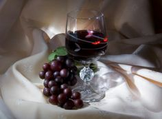 http://www.pxleyes.com/images/contests/red%2520wine/fullsize/red%2520wine_4b95420d33fa7.jpg