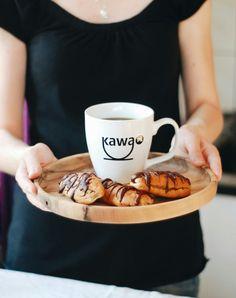 Prezentujemy przepis na eklerki kawowo-marcepanowe. Przepis na kawa.pl - po… Sweet Recipes, Tableware, Dinnerware, Tablewares, Dishes, Place Settings