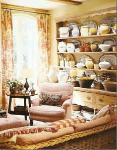 ` Everyone who reads Cote de Texas knows how much I admire Houston interior designer Carol Glasser. English Cottage Style, English Country Cottages, English Country Decor, French Country Cottage, French Decor, French Country Decorating, Cottage Living, Cottage Homes, Cottage Interiors