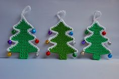 Free crocheted Christmas tree pattern / tutorial.