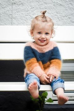 Trendy Knitting For Kids Dress Inspiration Ideas Baby Knitting Patterns, Knitting For Kids, Knitting Wool, Fluffy Sweater, Mohair Sweater, Girls Sweaters, Baby Sweaters, Baby Pullover, Pulls