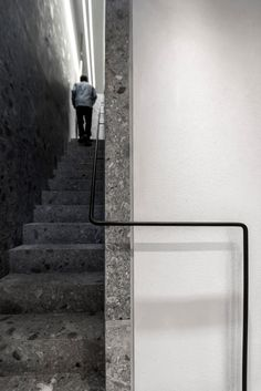 Trap natuursteen Ileana Makri Jewellery Store in Athens Greece by Kois Associated Architects - walls an stairs in beautiful Ceppo di Gre, an Italian natural stone Staircase Handrail, Interior Staircase, Modern Staircase, Stair Railing, Staircase Design, Architecture Details, Interior Architecture, Stair Elevator, Stair Detail
