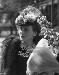 Princess Alice, Duchess of Gloucester, during her visit to the Central Hospital Supply Service Clearing House at Roehampton.  (Photo by H. F. Davis/Topical Press Agency/Getty Images)