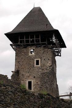nevicke-lakótorony- A vár évszázadokon át védelmezte a királyi Magyarország keleti határait, valamint az Uzsoki-hágón át vezető kereskedelmi útvonalat. Fortification, Hungary, Manor Houses, Cabin, Palaces, History, House Styles, Castles, Outdoor Decor