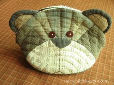 Adorable teddy purse by Story Quilt