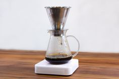 Beautiful! Bluetooth Coffee Scale Lets People Monitor The Brewing Process Remotely #coffee #pourover #acaia
