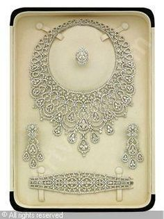 Parure Set of Diamond, diamonds stated to weigh a total of carats, stated to be mounted in white gold - Necklace, Earrings, Bracelet and Ring Royal Jewelry, Ruby Jewelry, I Love Jewelry, Indian Jewelry, Diamond Jewelry, Jewelry Sets, Fine Jewelry, Jewelry Design, Jewlery