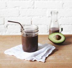 Mit diesem Mixgetränk kannst du am Morgen nicht nur das Gehirn stimulieren, du erhältst damit auch eine Extraportion Energie und bleibst bis zur nächsten Hauptmahlzeit…
