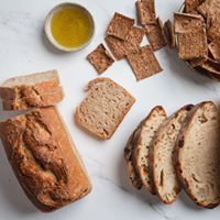 Pat BaMelach Artisan Bakery in Gush Etzion - Pat Bamelach Artisan Bread, How To Make Bread, Crackers, Bakery, Tasty, Pretzels, How To Bake Bread, Biscuit, Homemade Breads