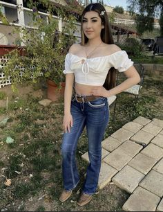 Cowgirl Style Outfits, Rodeo Outfits, Mexican Outfit, Crop Tops, Tank Tops, Jeans, Pretty Girls, Camisole Top, Fashion Outfits