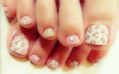 Uñas pies flores