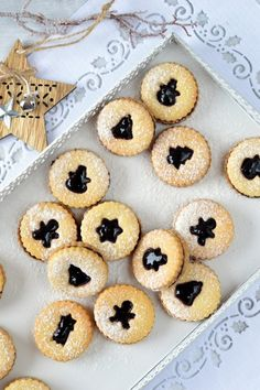 Karácsonyi linzer recept Baking And Pastry, Bread, Cookies, Cake, Christmas, Pastries, Food, Advent, Kitchen