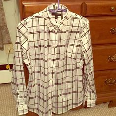 NEW Banana Republic No Iron Button Down Shirt Brand new, never worn, tags still attached. Extra buttons included. Fitted size 10. Banana Republic Tops Button Down Shirts
