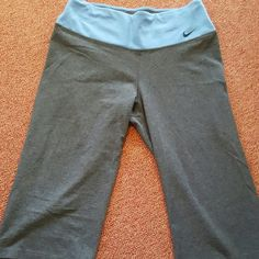 NIKE DRI-FIT CROP PANTS Like new condition.  Only worn a couple times! Nike Pants Capris