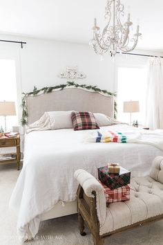 Simple Christmas Bedroom Decor - So Much Better With Age Decor, Country Decor, Decor Styles, Home Decor, Christmas Bedroom, Room Colors, Bedroom Decor, Country House Decor, Kids Rooms Diy