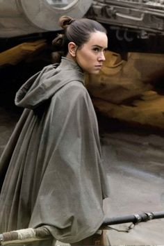 I love this costume of her. - Star Wars Cosplay - Star Wars Cosplay news - - I love this costume of her. Star Wars Canon, Rey Star Wars, Star Wars Fan Art, Star Wars Characters, Star Wars Episodes, Meninas Star Wars, Daisy Ridley Star Wars, Rey Cosplay, Images Star Wars