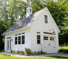 Connecticut Golf Couse Estate Home - farmhouse - Garage And Shed - New York - Uccello Development, LLC Garage Guest House, Carriage House Garage, Home Design, Design Ideas, Interior Design, Shed Plans, House Plans, Plan Garage, Garage Ideas