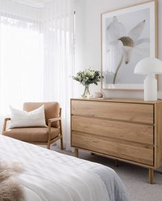 Oak Bedroom, Bedroom Decor, Bedroom Chair, Apartment Decoration, Dresser As Nightstand, Dresser Styling, Dressers, Bed Styling, Occasional Chairs
