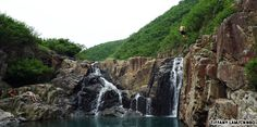Jump off a cliff: Sheung Luk stream (Sai Kung). Very close to Big Wave Bay #do #daytrip