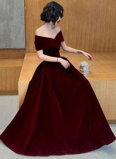Short Red Prom Dresses, Dark Red Dresses, Red Wedding Dresses, Prom Dresses Long With Sleeves, Red Off Shoulder Dress, Off Shoulder Bridesmaid Dress, Velvet Bridesmaid Dresses, Red Bridesmaids, Red Velvet Dress