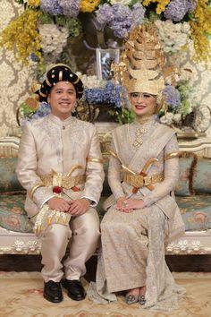 Pernikahan Adat Mandailing Nadhira dan Sandy di Jakarta