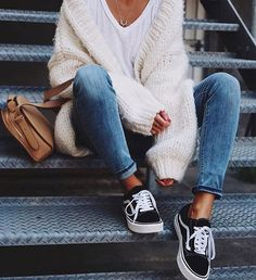 Essentials you will need for your spring break outfits! These ideas are perfect for your next trip or vacation during your college break! The Best of casual outfits in 2017.
